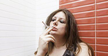 Anti-Aging Tips Hoe Roken je Huid Aantast