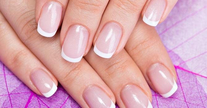 Draag dit Jaar Trendy Nagelkleuren!
