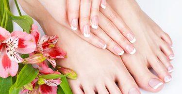 Hoe Zorg je Ervoor dat je Manicure en Pedicure Langer Meegaan