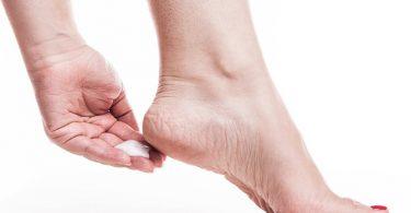 Huidverzorgingtips Hoe Behandel je Gebarsten Voeten
