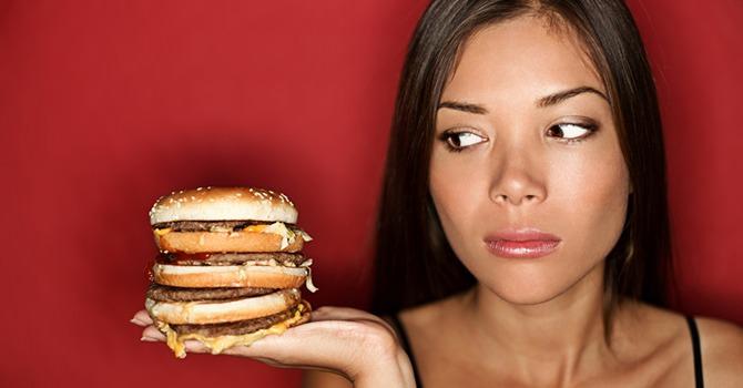 Je Eetgewoonten Kunnen de Oorzaak Zijn van Acne