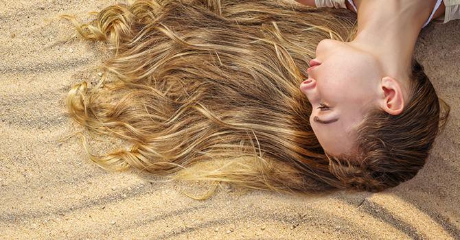 Laat de Hitte van de Zomer Geen Aanslag Plegen op je Haar!