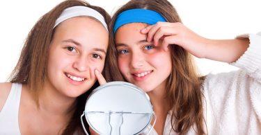 Leer je Tiener een Krachtige Anti-Acne Routine