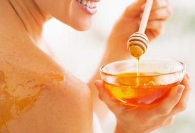 Honing smaakt niet alleen lekker, het is nog goed voor je huid ook.